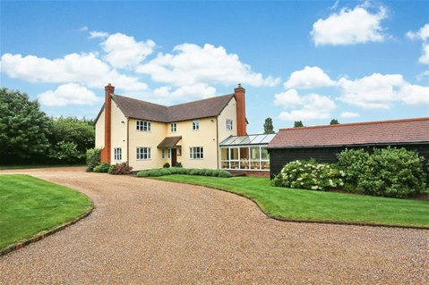 5 bedroom house in Hertfordshire with Indoor swimmingpool for £1295000