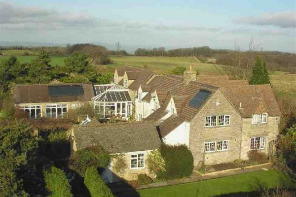 6 bedroom house in Gloucestershire with Indoor swimmingpool for £760000